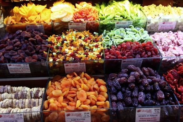 dried-fruit-at-the-spice-bazaar-istanbul