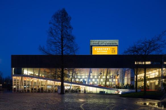 ddd6a03c-a709-4445-82c9-7b94b242da46_Kunsthal Rotterdam by night_foto Ossip van Duivenbode - kopie LR