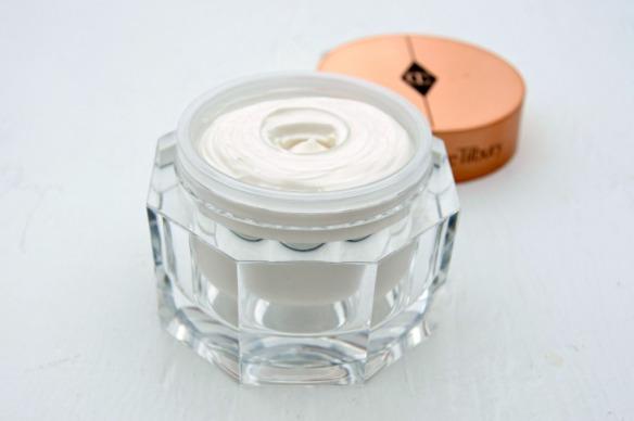 charlotte-tilbury-magic-cream-face-inhautepursuit-review-1024x681